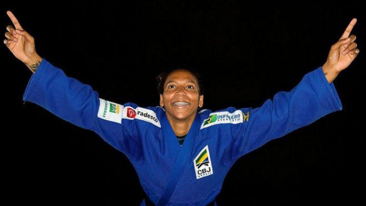 "Este lunes la judoca brasileña Rafaela Silva se vengó de los que la llamaron ""la vergüenza de la familia""."