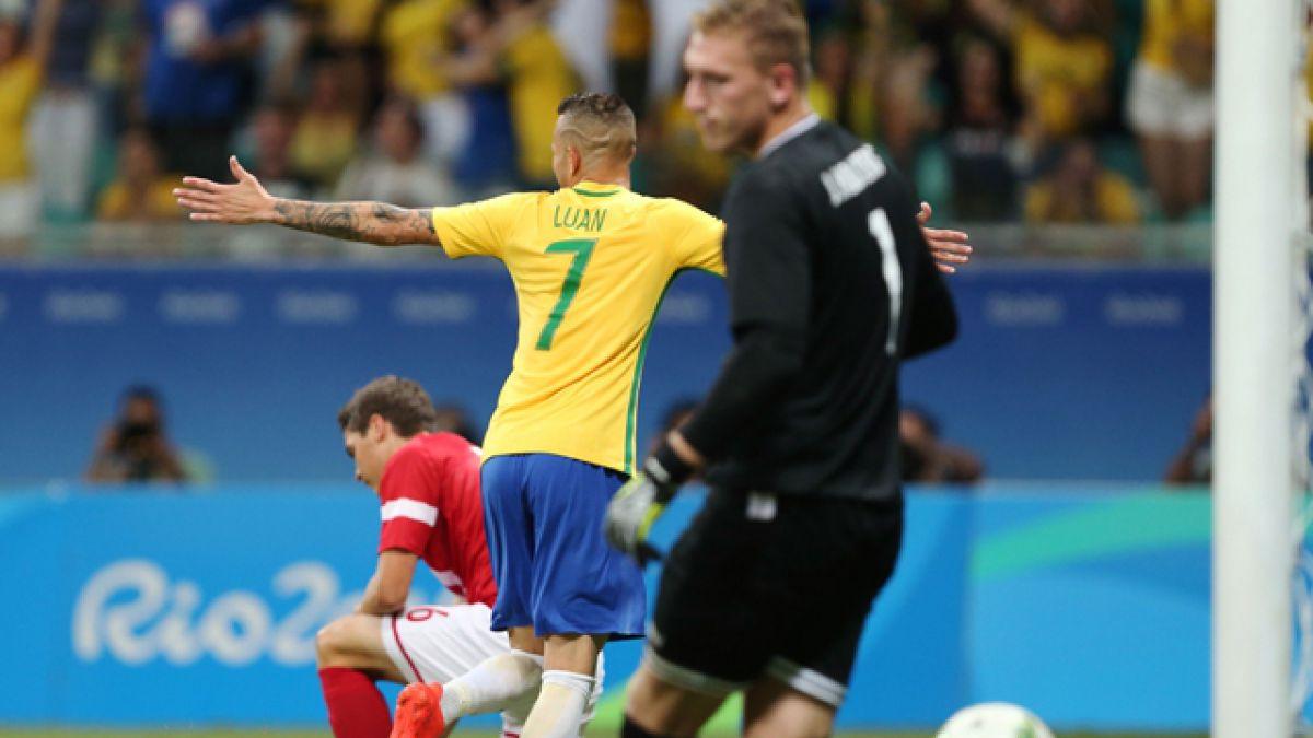 Brasil avanza a cuartos tras goleada sobre Dinamarca en el fútbol de Río 2016