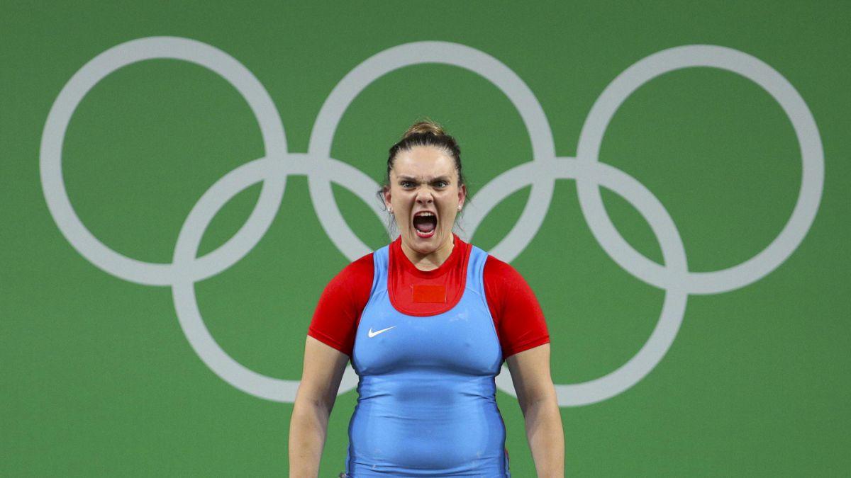 María Fernanda Valdés queda en la cima del Grupo B de pesas hasta 75 kilos
