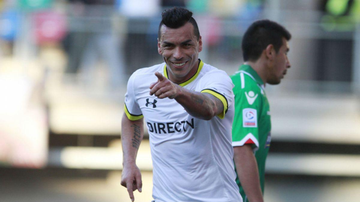 [FOTO] Esteban Paredes se tatúa gol que le convirtió a Universidad de Chile