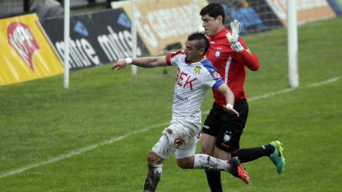 Unión Española rescata un empate sobre el final ante Huachipato y sigue como líder
