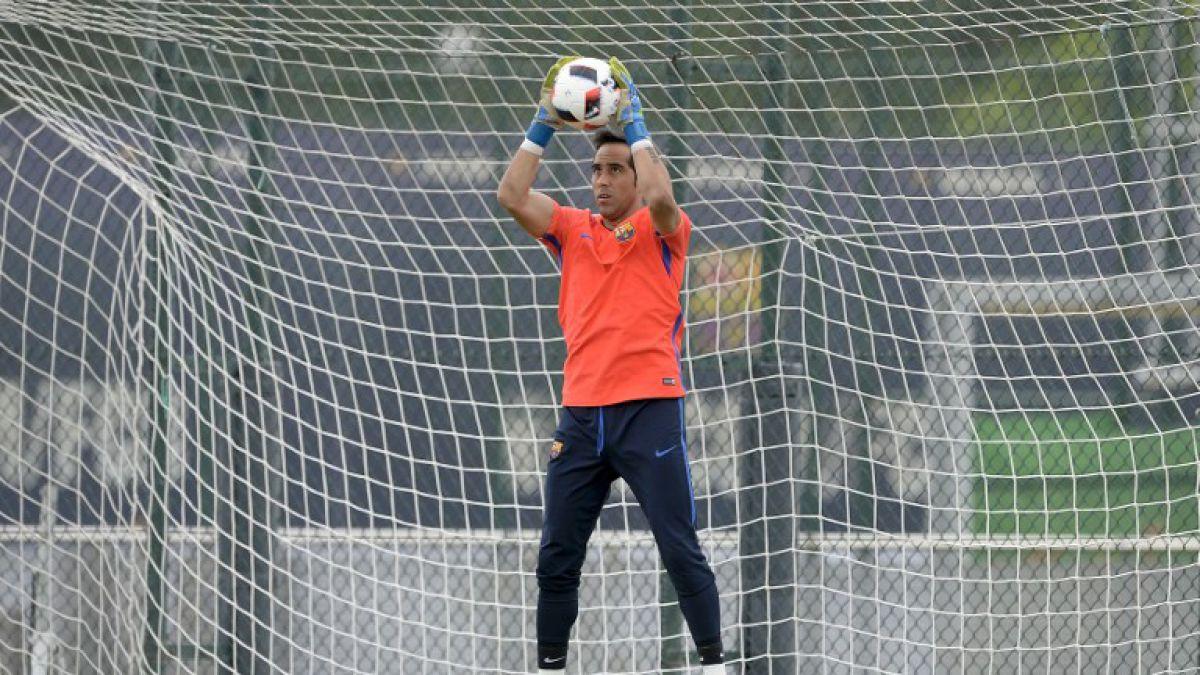 Barcelona ya tendría sustituto para Claudio Bravo en el arco