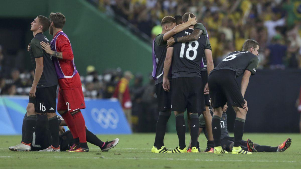 Sacó chispas: Jugador alemán provocó a hinchas de Brasil con polémico gesto