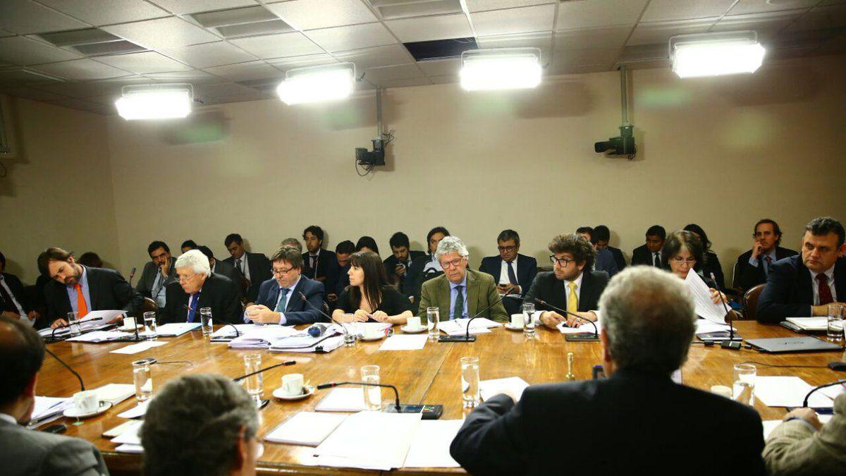 Comisión de la Cámara Baja visó proyecto de elección de intendentes