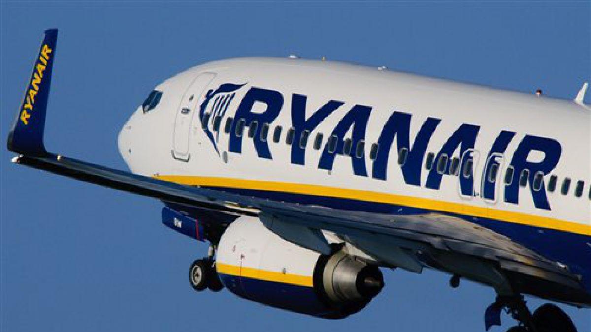 Aerolínea Ryanair recorta su previsión de beneficios anuales por caída de la libra