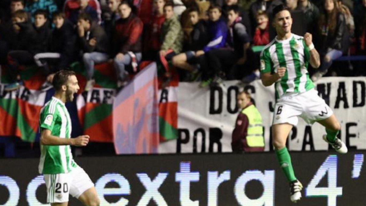 [VIDEO] Betis logra triunfo en la agonía gracias a gol de tiro libre de Felipe Gutiérrez
