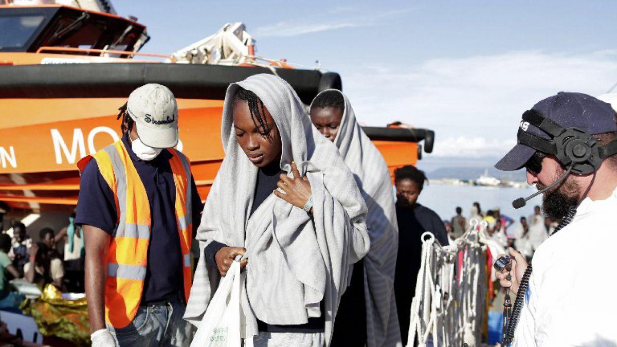 Rescatan a 4 mil migrantes de canal de Sicilia