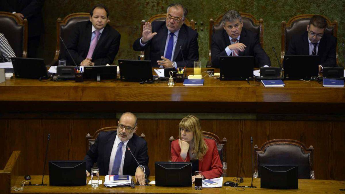 Diputados chilenos rechazan reajuste salarial a empleados públicos