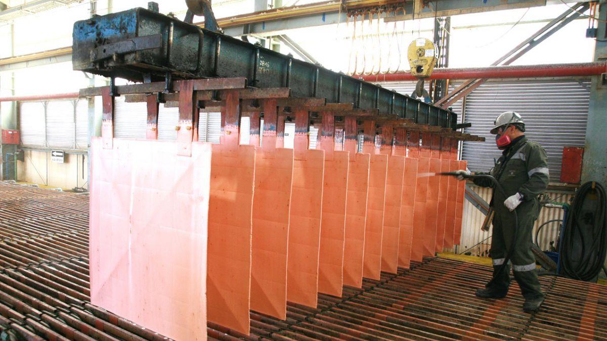 El alza del cobre vuelve a darle impulso a la economía chilena