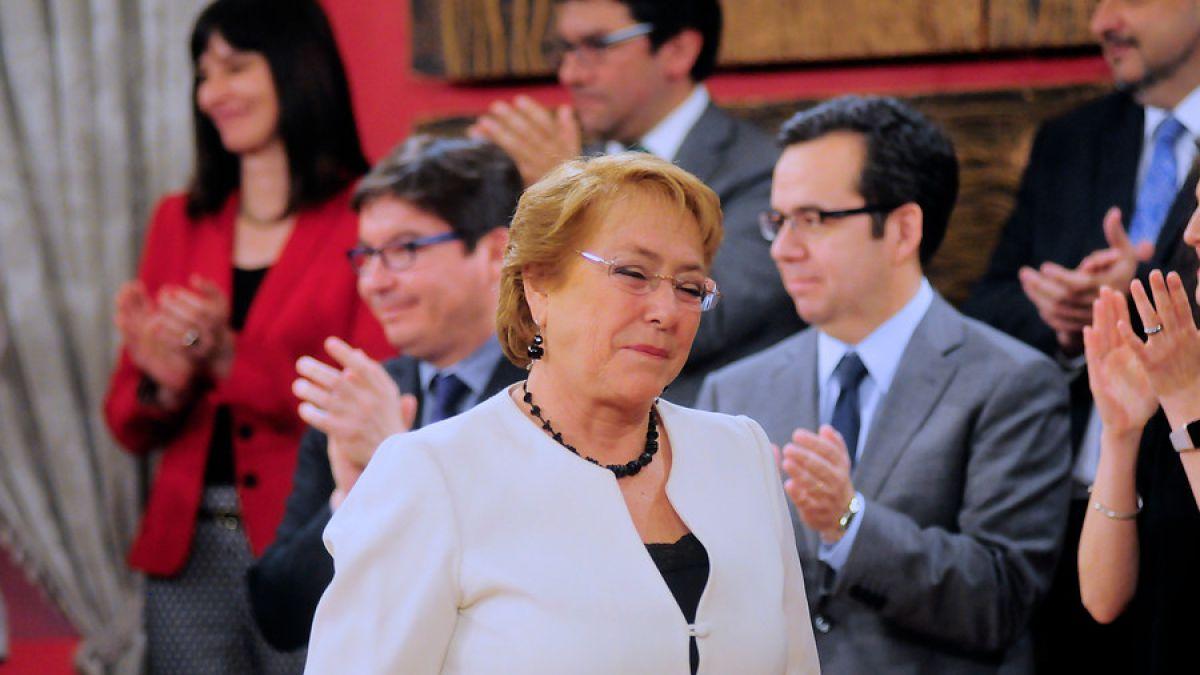 Bachelet realiza este viernes nuevo cambio de gabinete
