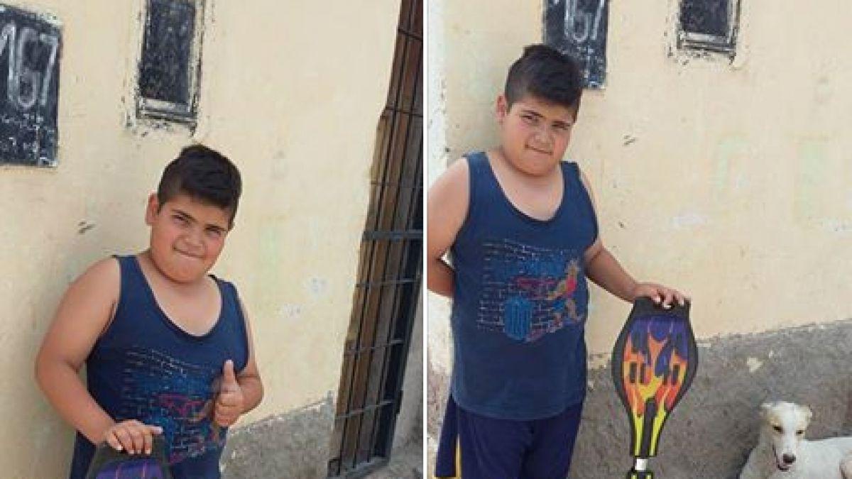 Niño puso en venta su patineta para salvar a un perro callejero ... a14ab62526a