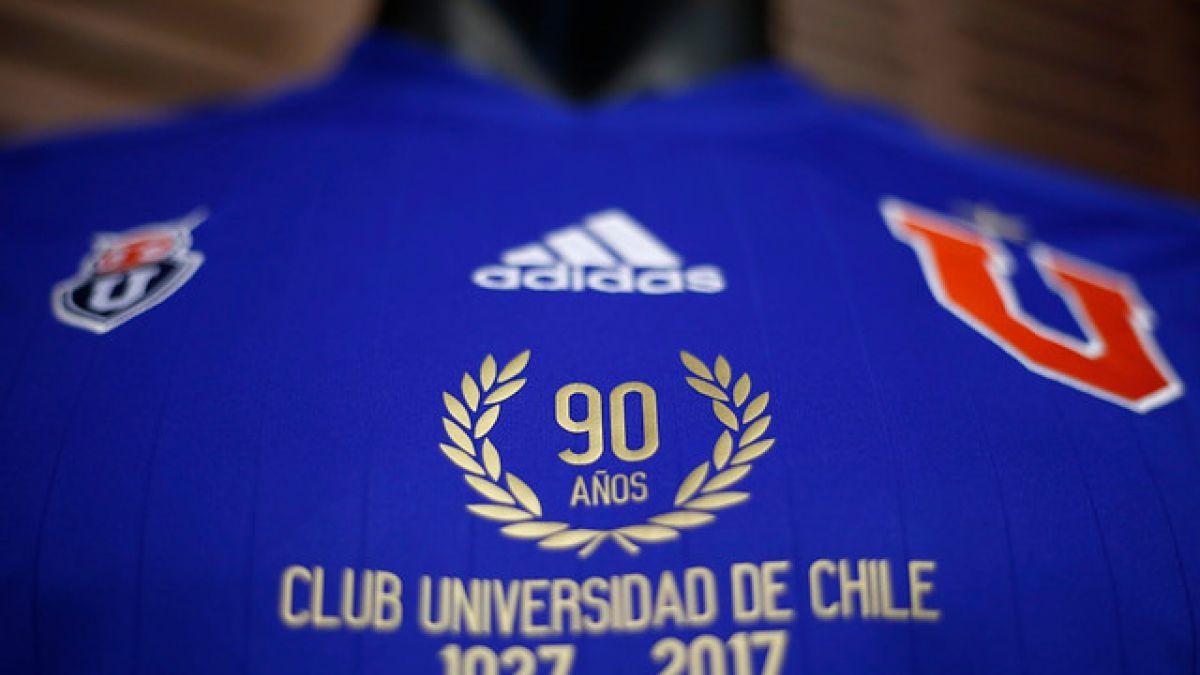 """VIDEO  La """"U"""" presenta camiseta conmemorativa por los 90 años del club be27bd10d5804"""
