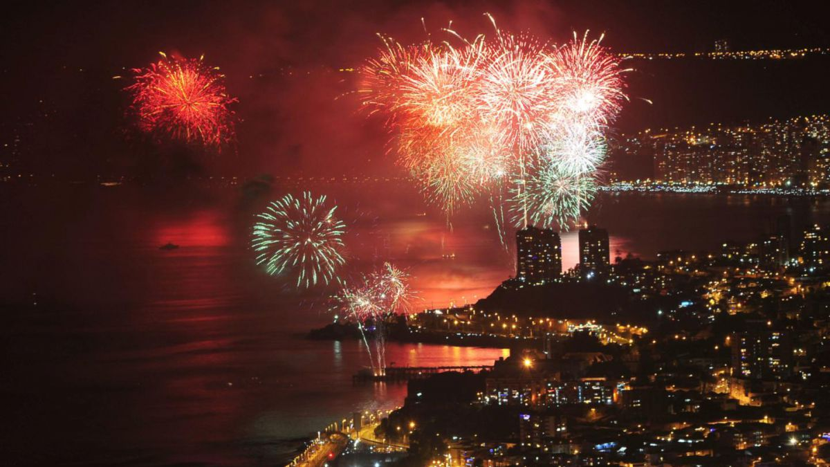Ensayo General Del Ano Nuevo En El Mar En Valparaiso Tele 13
