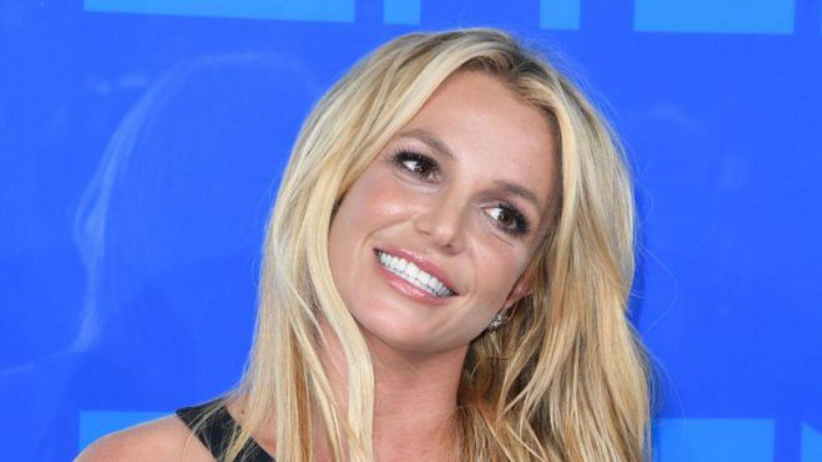 Madonna celebra el cumpleaños de Britney Spears dedicándole un cover de