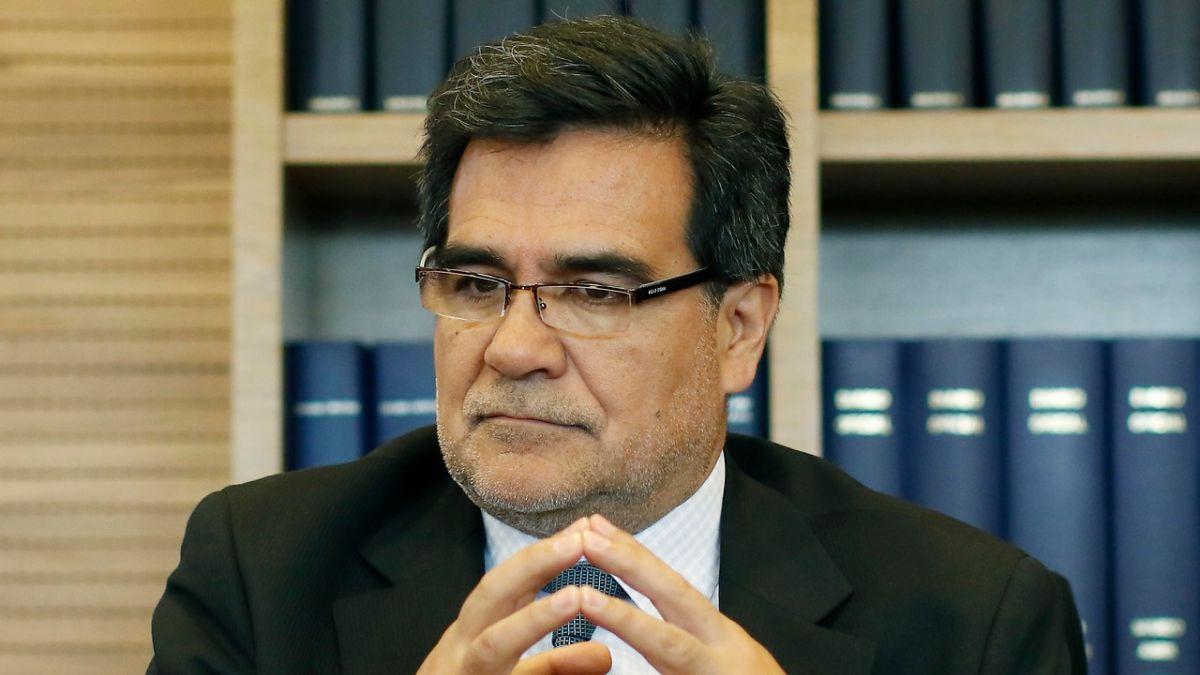 Ex director del SII acusó supuestas presiones por caso boletas