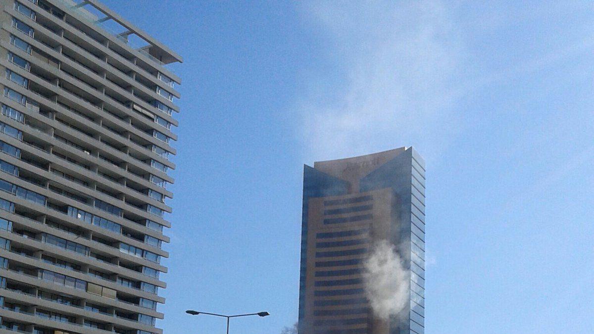 Alarma de incendio en torre aledaña del Hotel Marriott movilizó a bomberos