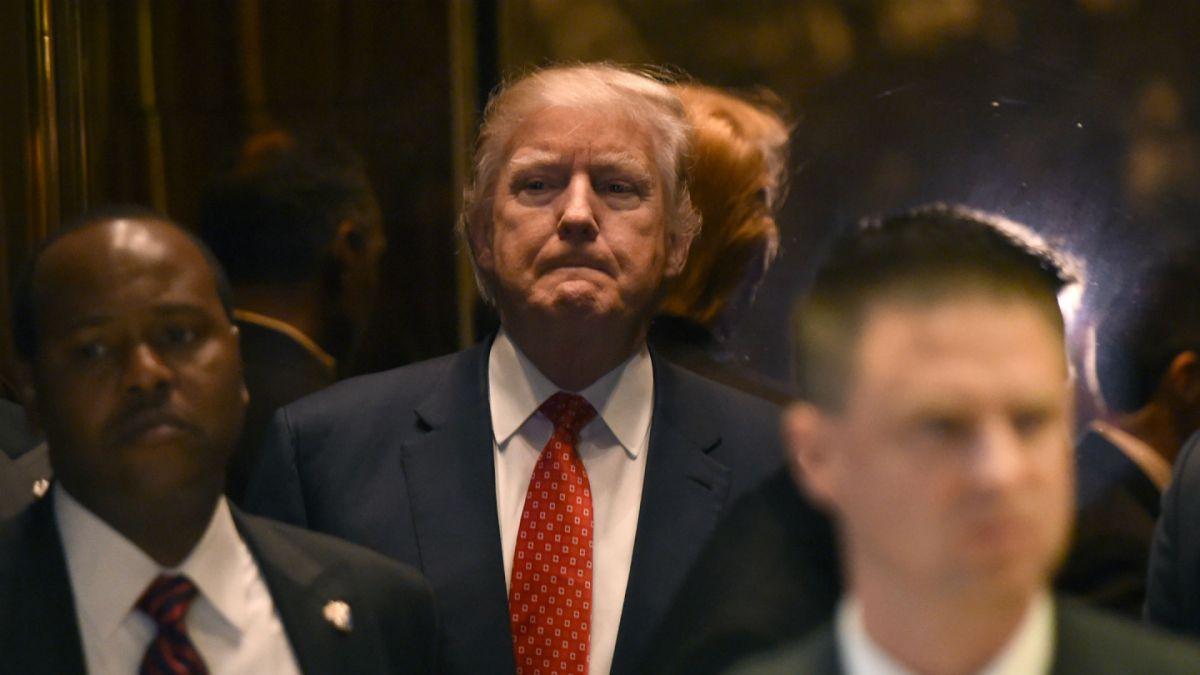 Servicios de inteligencia de EE.UU. creen que Rusia tiene información comprometedora sobre Trump