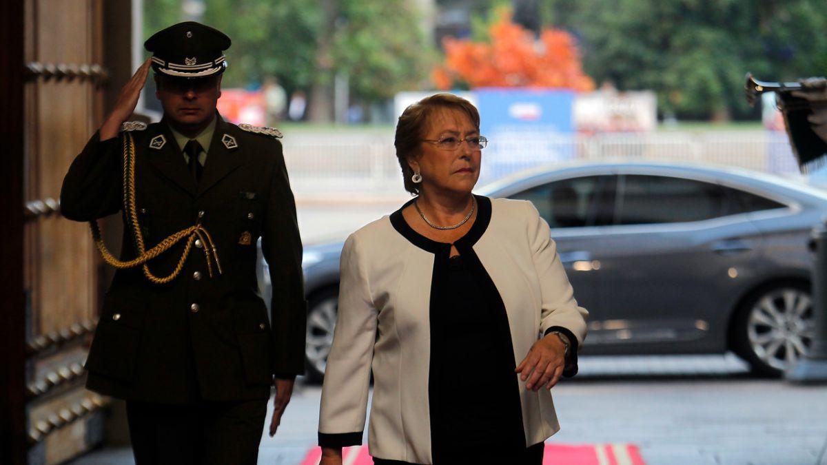 Bachelet recibe bases ciudadanas y compromete reforma para 2017 — Proceso Constituyente
