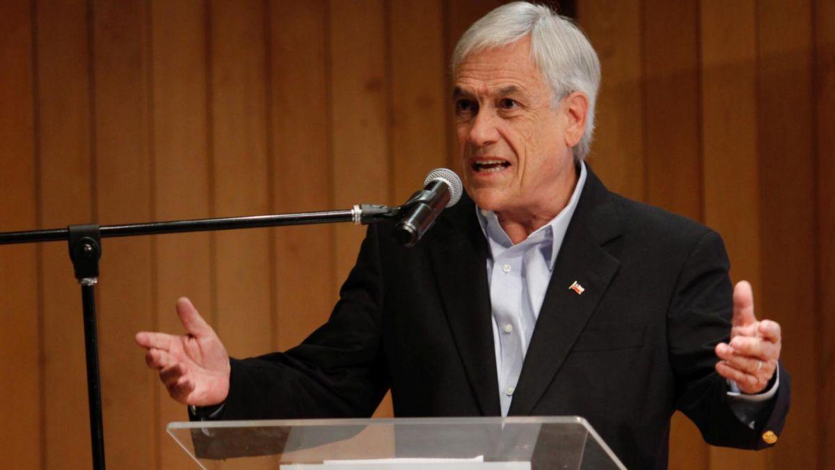 Piñera sufre agresión durante visita a Cañete