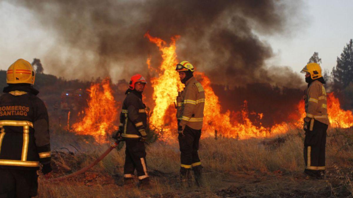 Sigue el minuto a minuto de los incendios forestales en Chile