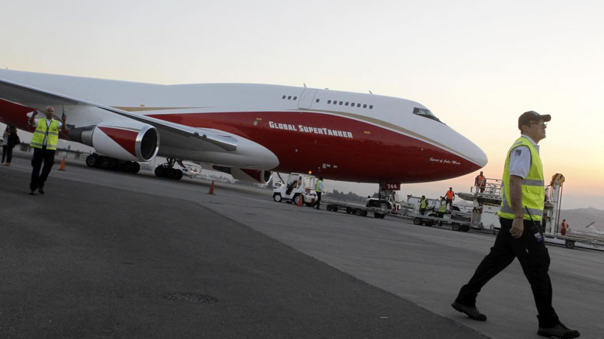 Supertanker 747: Aterrizó en Chile la aeronave que ayudará a combatir incendios forestales