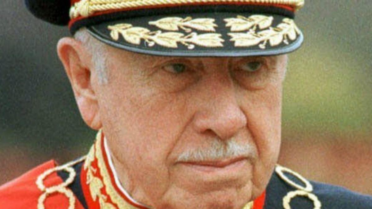 Académico estadounidense afirma que es un mito que Pinochet mejoró la economía chilena