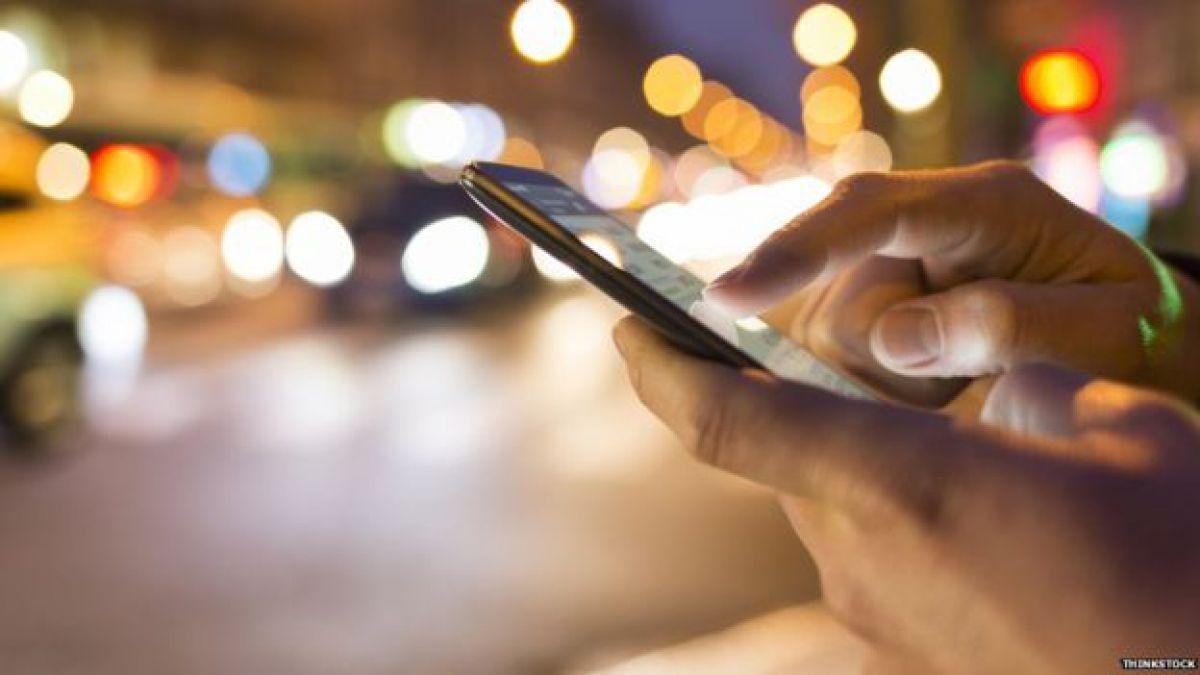 Cada vez son más los celulares que tienen el sistema de reconocimiento de voz siempre conectado, haciéndolos vulnerables a los hackers.