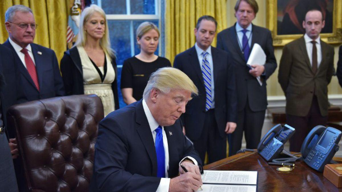 Resultado de imagen para Donald Trump, modificaría decreto migratorio