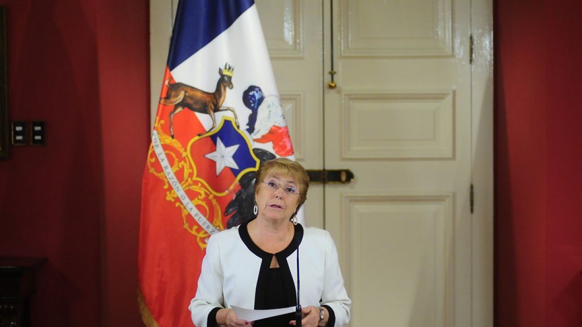Cadem: ocho de cada diez encuestados cree que Bachelet ha hecho un mal gobierno
