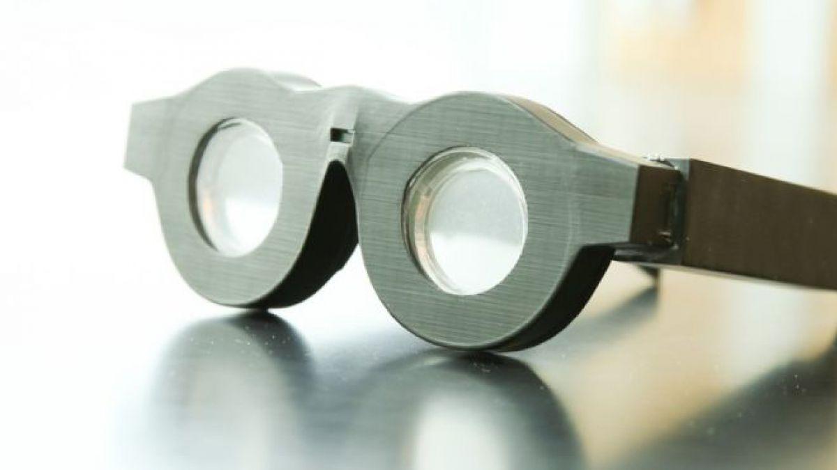 Las gafas sin cristales adaptables a problemas de la vista | Tele 13