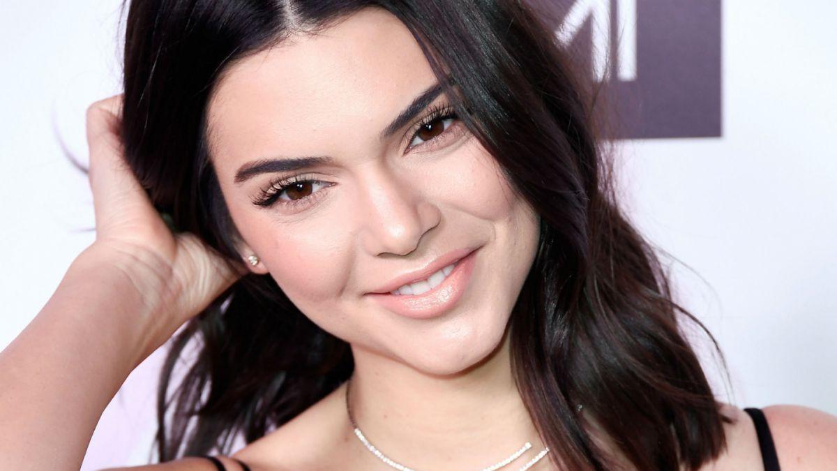 Kendall Jenner salió a la calle sin brasier y generó gran alboroto