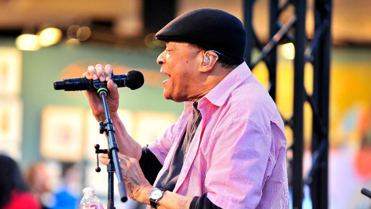 El cantante Al Jarreau muere a los 76 años de edad