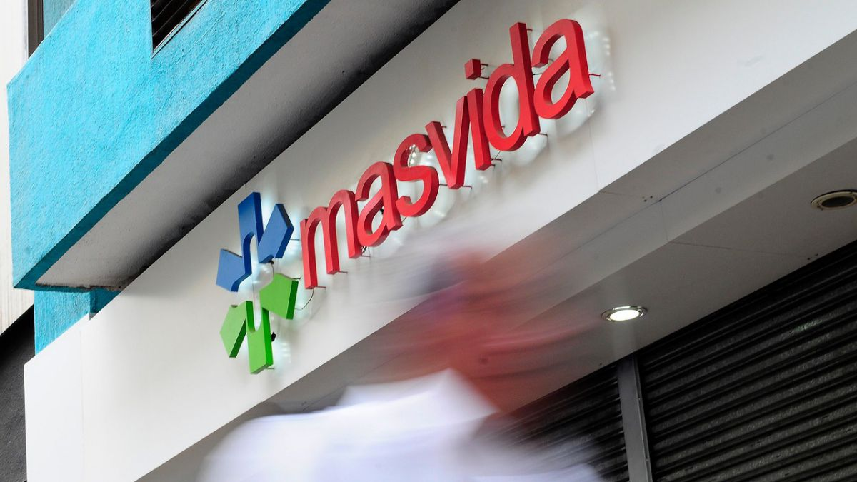 Ex controlador de Cruz Verde retira oferta por clínicas Masvida