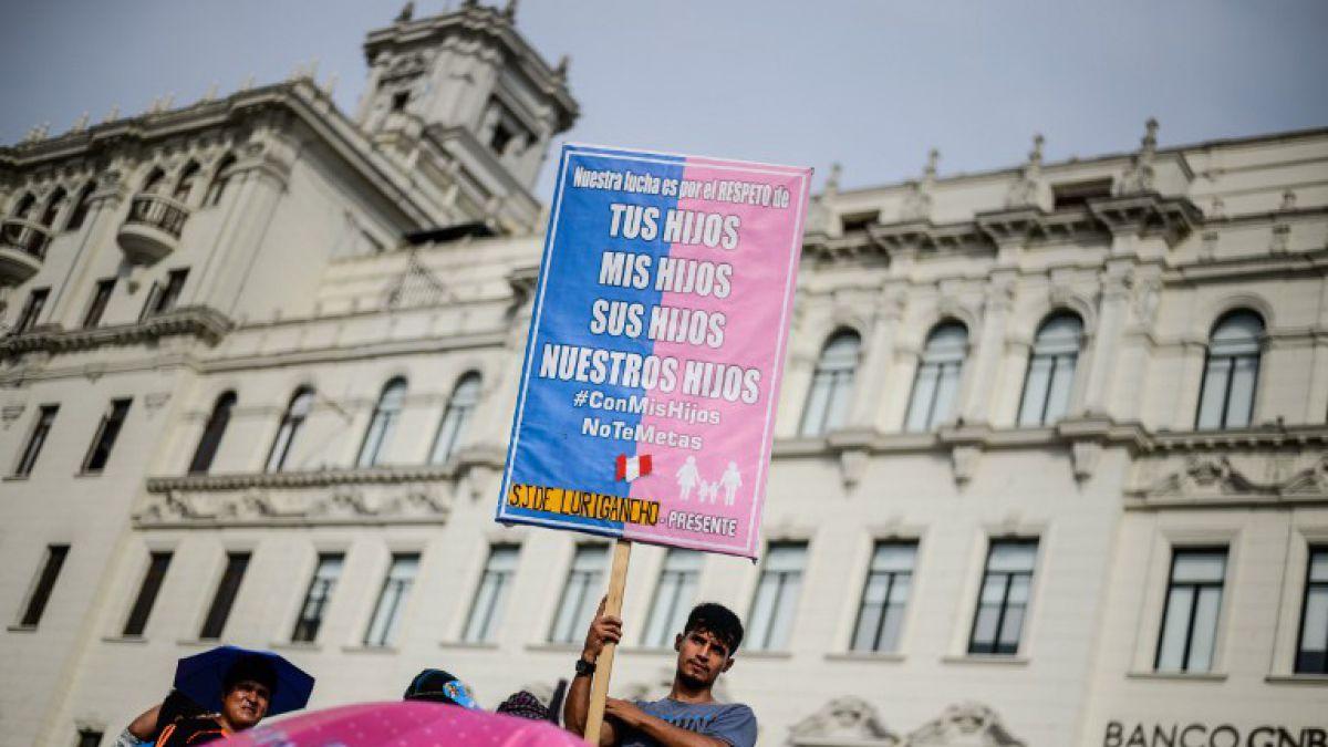Masiva marcha contra ideología de género en Perú