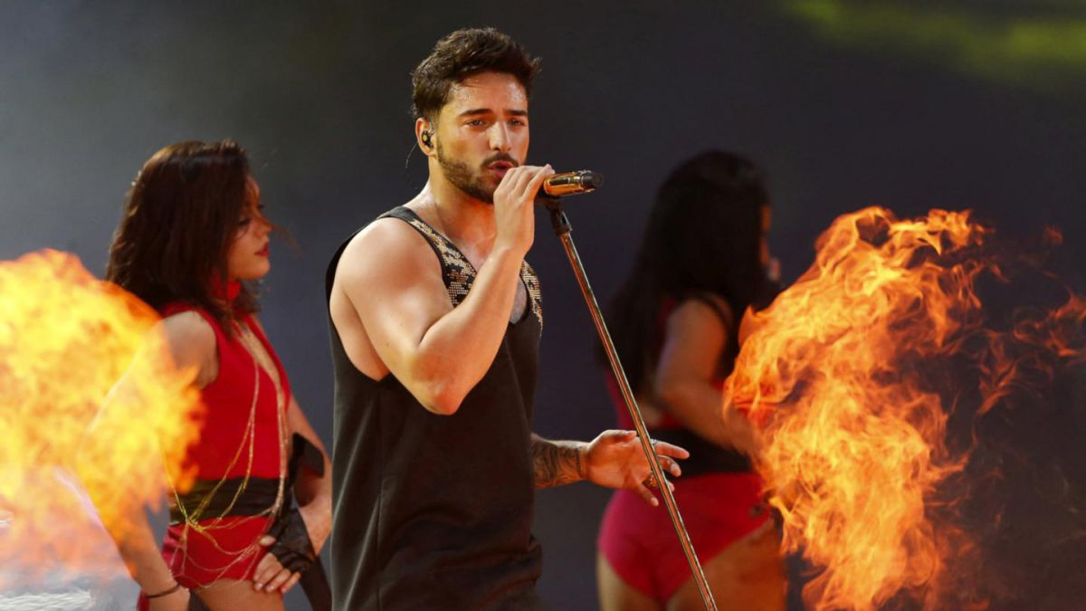 Selena, me encantaría hacer una canción contigo: Maluma