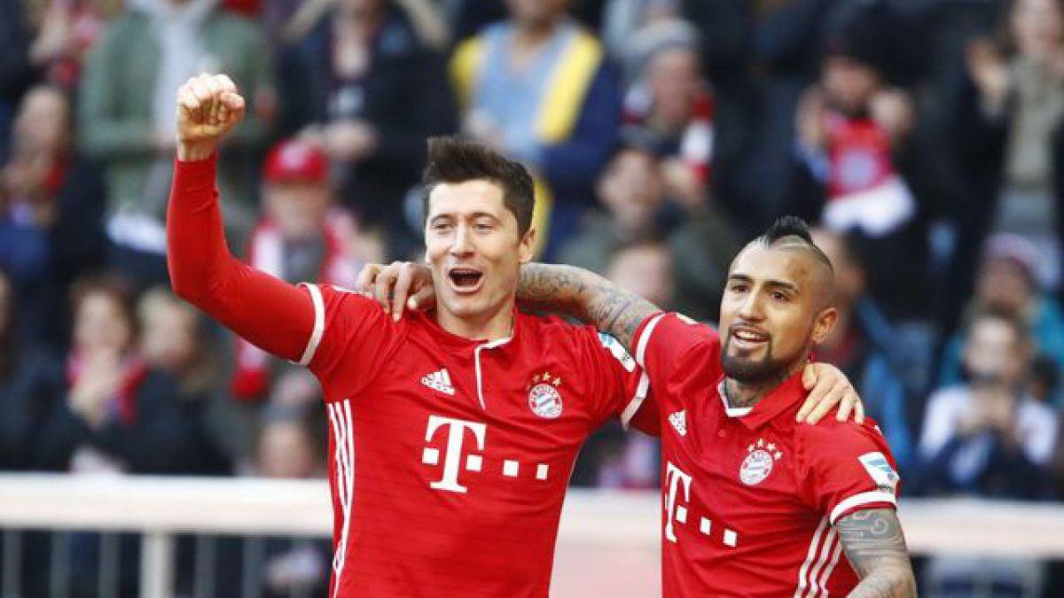 Bayern y Vidal golearon de la mano de Lewandowski