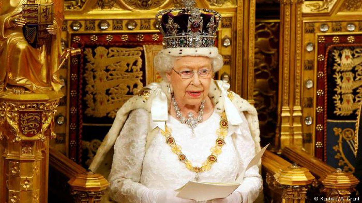 """Reina Isabel II autoriza inicio de negociaciones sobre el """"brexit"""""""