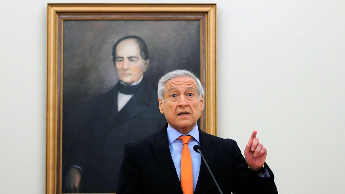 Heraldo Muñoz: El lugar donde se izó la bandera boliviana no es un local consular