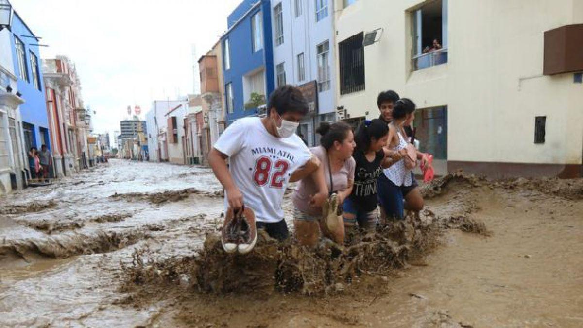 Sólo tuvimos tiempo para sacar a los bebés: los estragos provocados por inundaciones en Perú