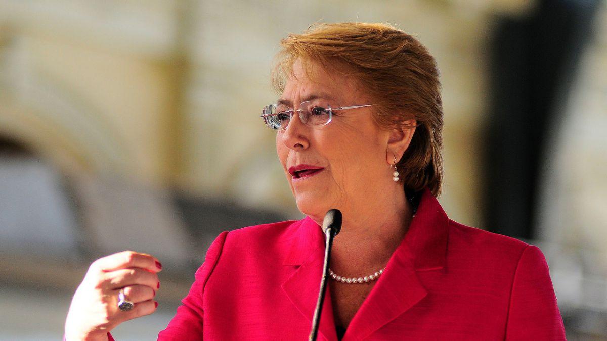 Bachelet envía proyecto que permite al Congreso crear una Convención Constitucional