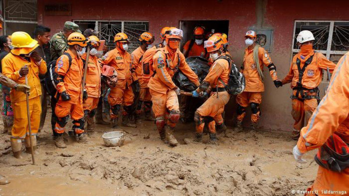 Avalancha deja al menos 15 muertos en Colombia
