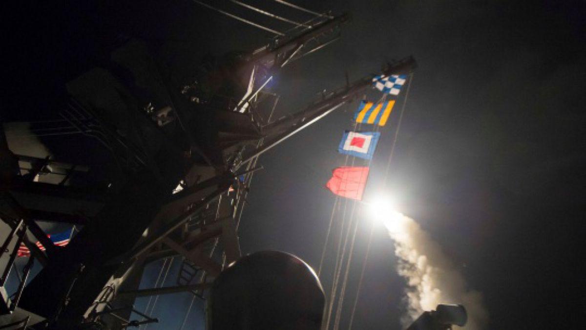 EE.UU. lanza 59 misiles en Siria tras ataque químico contra población civil