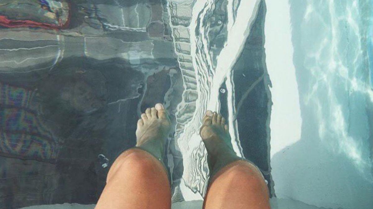 La incre ble piscina a 150 metros de altura con fondo de for Piscinas en altura