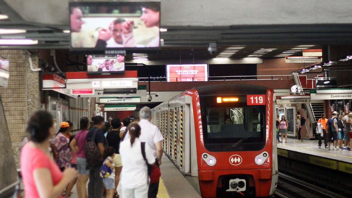 Censo 2017: Metro abrirá más temprano y Transantiago será reforzado con 29 servicios extra