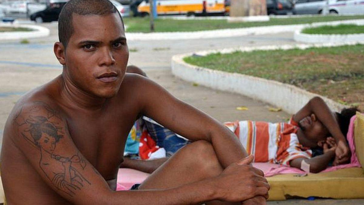 La brutal vida de miles de niños y jóvenes en las calles de Salvador de Bahía en Brasil