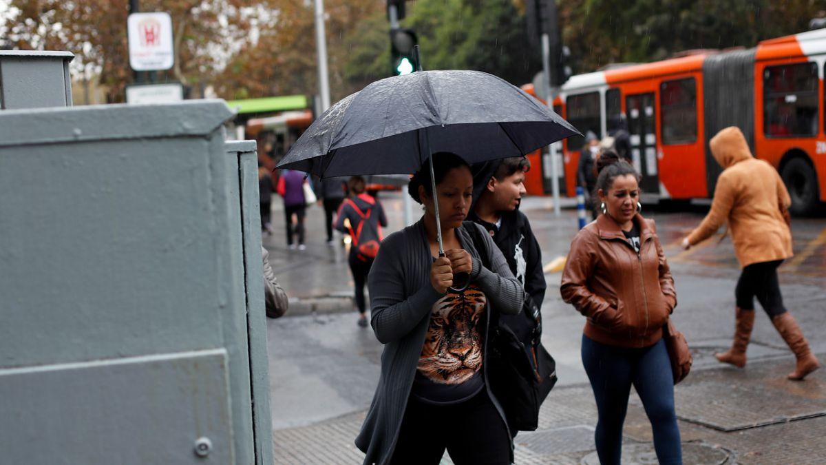Se registran cortes de energía en varias comunas de Santiago