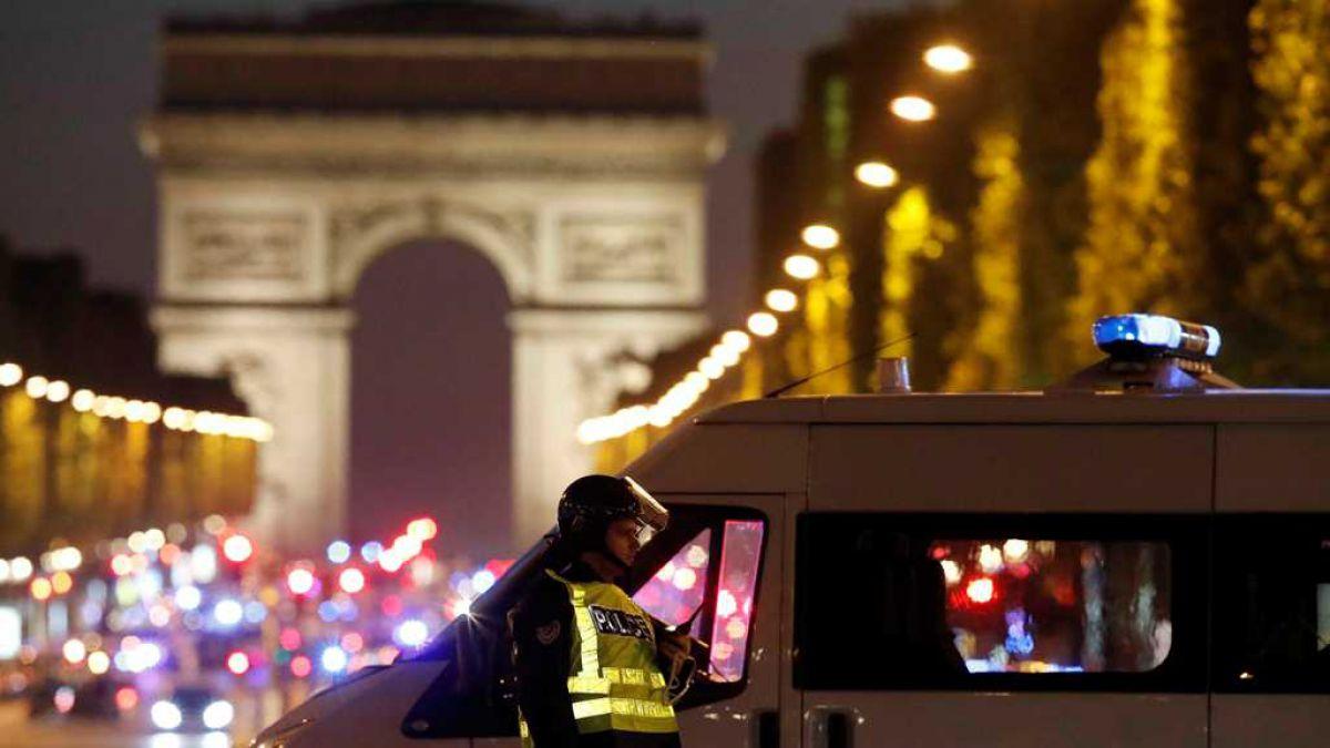 París: Estado Islámico reivindica tiroteo que dejó un policía muerto