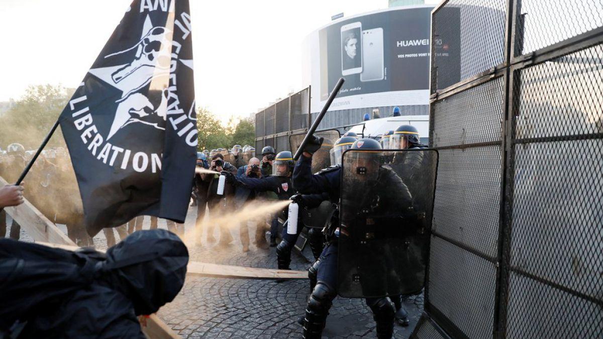 Macron llama a unidad francesa para frenar a Le Pen