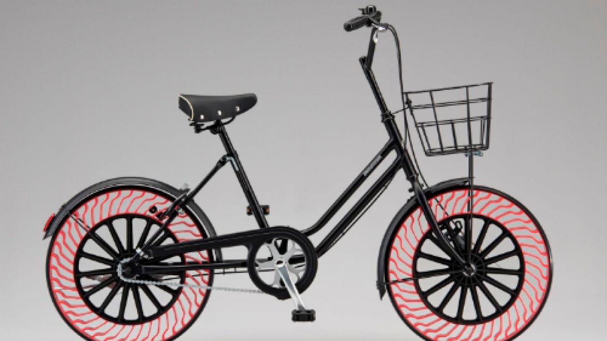 Chau pinchadura: crearon ruedas para bicicleta sin aire
