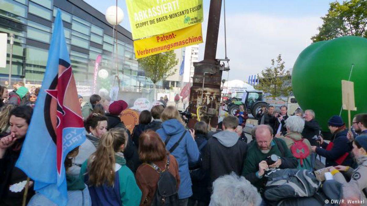 Protestas contra fusión Bayer-Monsanto